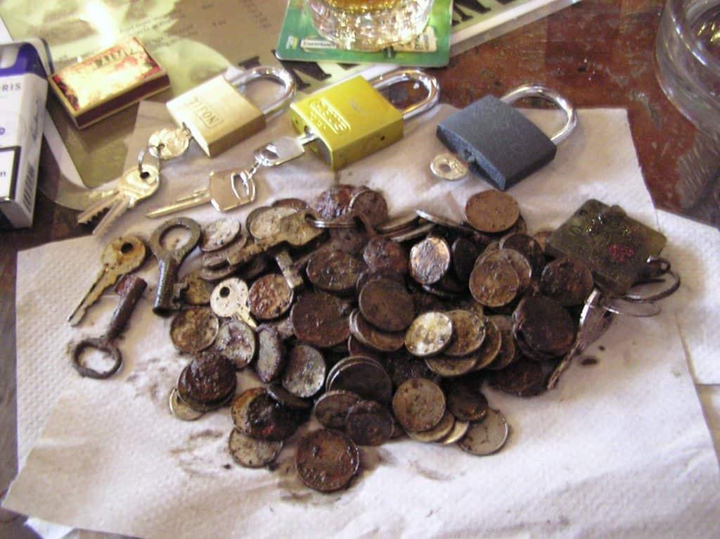 Kladky, klíče a mince