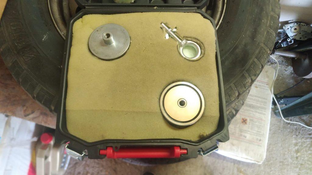 kufřík pro magnety