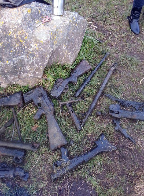hromada zbraní